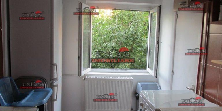Inchiriere apartament 2 camere Alba Iulia,Decebal metrou Piata Muncii et.1 parcare