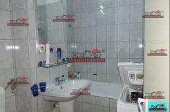 Vanzare apartament 3 camere in zona Titan metrou 2 min bl reabilitat